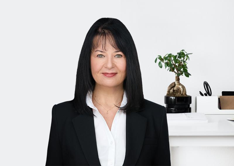 Yvonne Plumptre